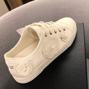 Chanel Camelia Sneaker 39